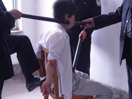 Bondage Stuhl geknebter Stock gefesselt